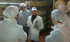 Learning production methods at La Casearia Carpene